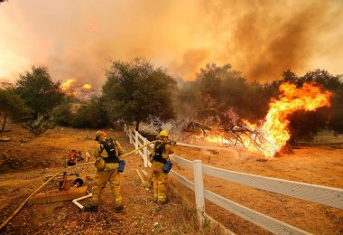 Firefighters use Augmented Reality inCalifornia